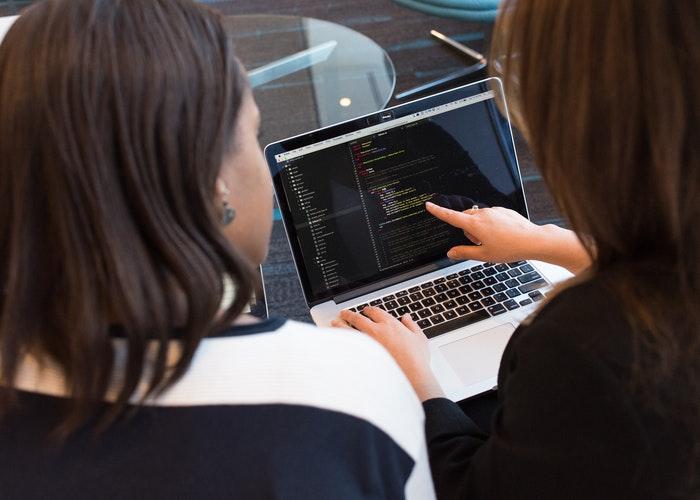 Ưu điểm khi doanh nghiệp lựa chọn phần mềm kế toán